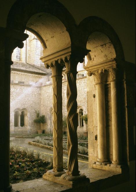 Casamari: Kreuzgang der Abtei (2002)