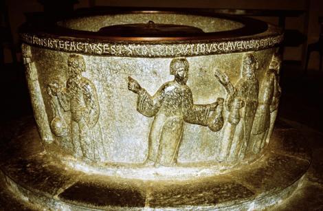 Chiavenna: Baptisterium - Taufstein (2002)