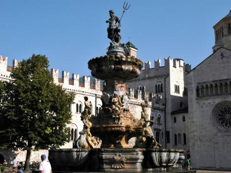 Trient: Neptunbrunnen auf dem Domplatz (2017)