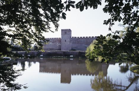 Gyula: Burg (1983)