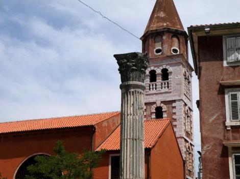 Zadar: Römische Säule und Simeonskirche (2016)