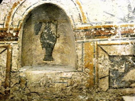 Fünfkirchen: Frühchristliches Friedhof - Grabkammer mit Krug (2008)