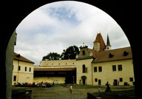 Käsmark: Thököly-Burg - Innenhof (2004)