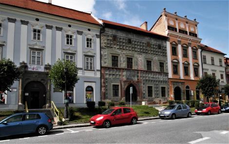 Leutschau: Marktplatz Westseite - Mariassy-Haus, Krupek-Haus [grün], Spillenberg-Haus (2018)