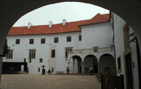 Siklós: Burg - Innenhof (2015)