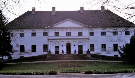Bohl (ung. Boly): Batthyany-Schloss