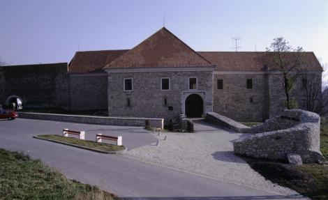 Pécsvarad: Bischofsburg (2008)