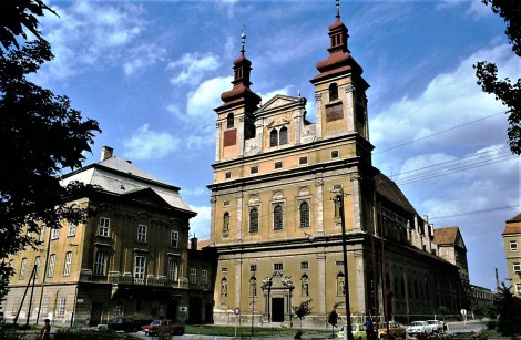 Tyrnau (slowak. Trnava): Universität und Universitätskirche (1980)