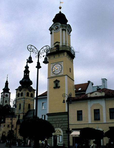 Neusohl [slowak. Banská Bystrica]: Marienkirche - Stadtturm - Uhrturm (2004)