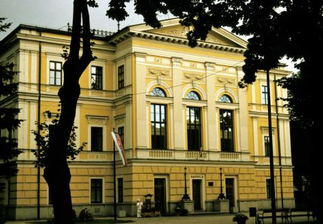 Zipser Neudorf [slowak. Spišská Nová Ves]: Rathaus (2004)