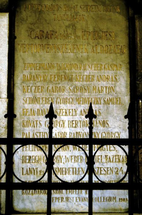 Eperies [slowak. Prešov]: Evangelisches Kollegium - Gedenktafel für die Opfer des Eperieser Blutgerichts [1687] durch Caraffa (2004)