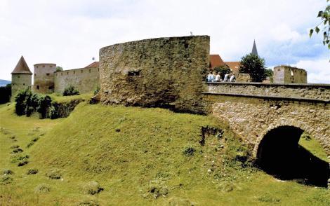 Bartfeld [slowak. Bardejov]: Unteres Tor mit Basteien (2004)