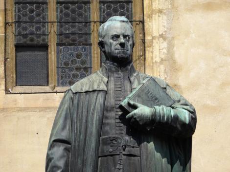 Hermannstadt: Standbild des Bischofs Georg Daniel Teutsch (2018)