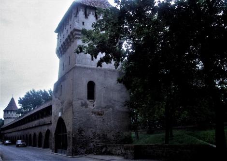 Hermannstadt: Stadtmauer mit Töpferturm und Zimmermannsturm (1991)