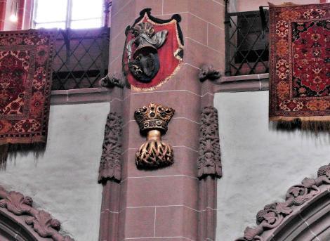 Kronstadt: Schwarze Kirche - Wappen von Kronstadt und von König Matthias Corvinus (2018)