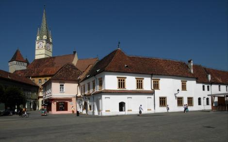 Mediasch: Marktplatz mit Kirchenburg und Schullerhaus (2018)