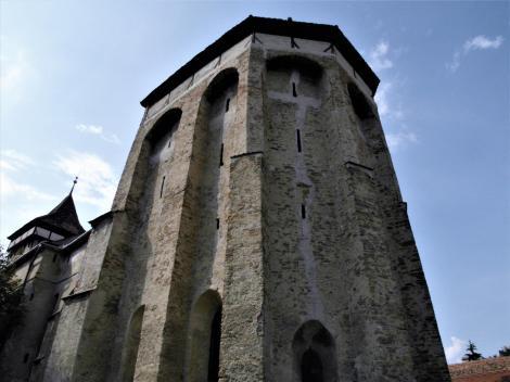 Wurmloch (rum. Valea Viilor): Kirchenburg - wehrhafter Chor der Kirche (2018)