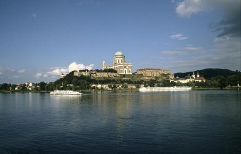 Blick über die Donau auf Gran [ung. Esztergom] (2004)