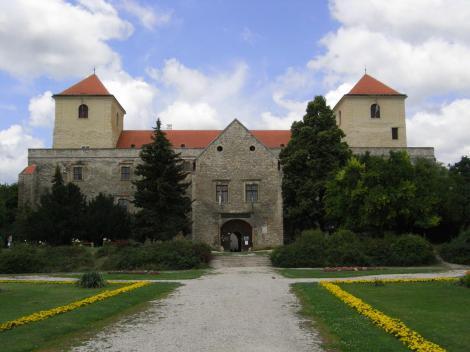Varpalota: Burg (2008)