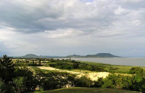Südwestecke des Plattensees mit Szigliget und Badacsony (2008)