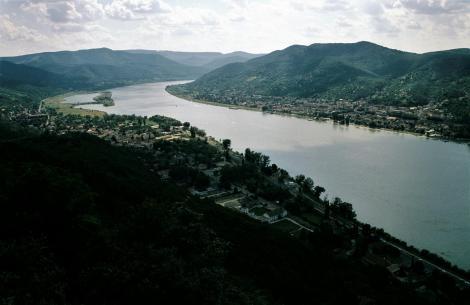 Plintenburg [ung. Visegrád]: Blick von der Oberen Burg (2004)