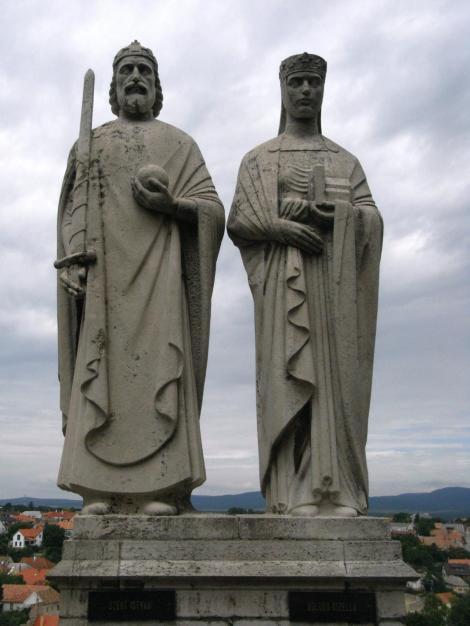 Veszprém: Statuen von Stephan und Gisela (1983)