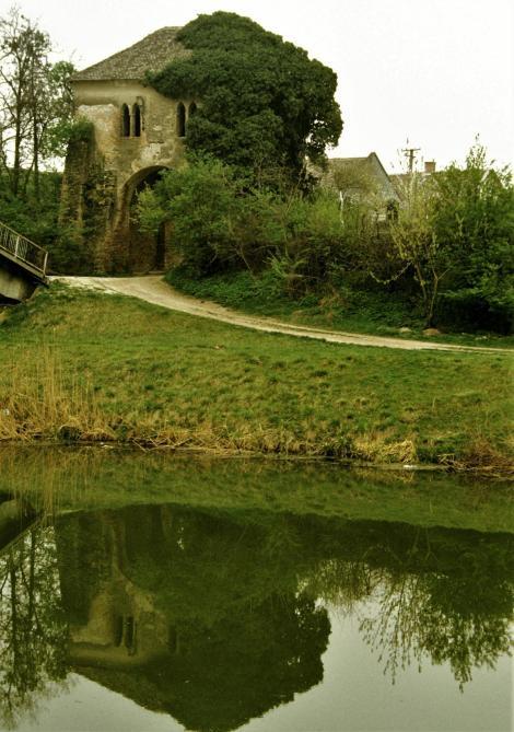 Batsch [serb. Bač]: Tor (1990)