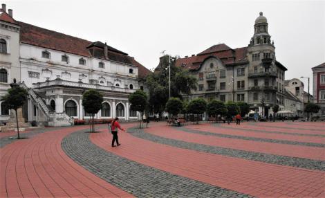 Temeswar: Paradeplatz [Freiheitsplatz], links Militärkasino (2018)