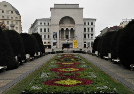 Temeswar: Siegesplatz mit Opernhaus (2018)