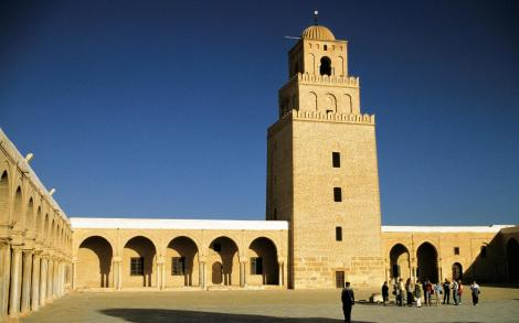 Kairouan: Große Moschee [Sidi-Oqba-Moschee] mit Minarett (1998)