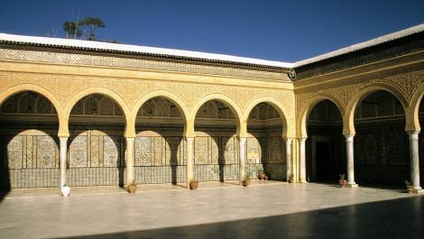 Kairouan: Barbiermoschee [Zaouia des Sidi Sahab] - Innenhof (1998)