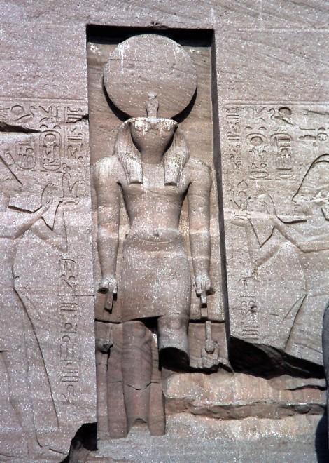 Abu Simbel: Großer Tempel - Statue von Re (1982)