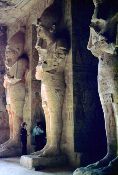 Abu Simbel: Großer Tempel - 1. Säulensaal (1982)