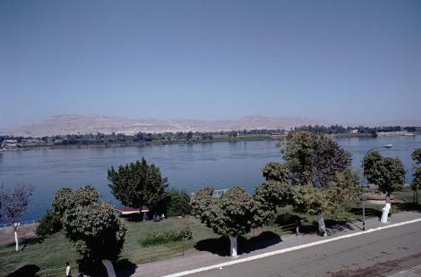 Luxor: Blick auf den Nil und sein Westufer (1982)