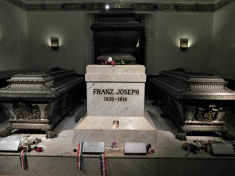 Wien: Kapuzinergruft - Sarkophag von Kaiser Franz Joseph (2019)