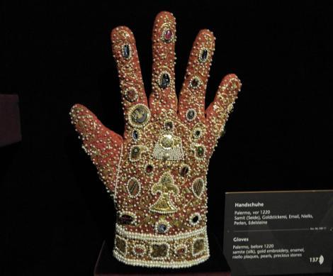 Wien: Schatzkammer in der Hofburg - Handschuh (2019)