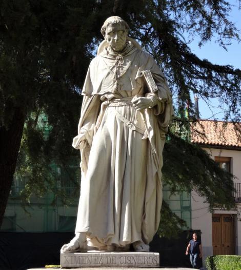 Alcalá de Hénares: Cisneros-Statue vor der Universität (2019)