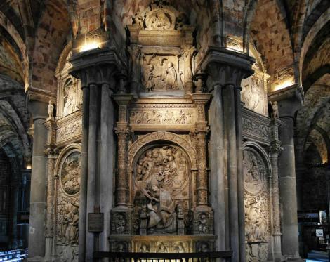 Avila: Kathedrale - Rückseite des Chores [Mitte: El Tostado = Grabmal Alonso de Madrigal] (2019)