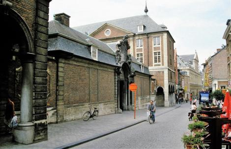 Löwen: Heiliggeistkolleg (2003)