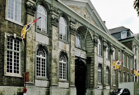 Löwen: Papstkolleg (2003)