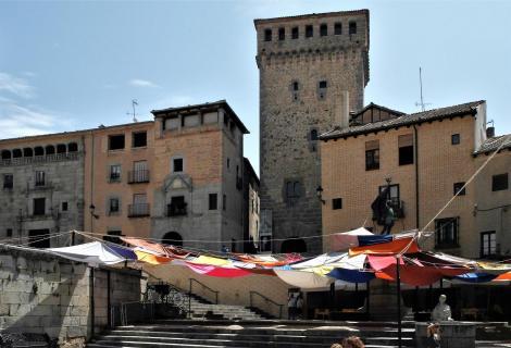 Segovia: Plaza San Martin mit Loyoza-Turm (2019)