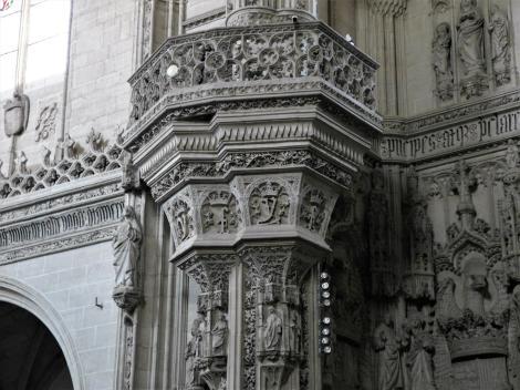 Toledo: Kirche San Juan de los Reyes - Tribüne am linken Vierungspfeiler [mit F und Y] (2019)