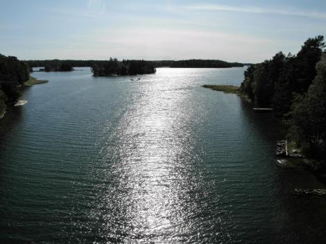 Blick [nach Süden] von der Brücke zwIschen den Inseln Humlö und Svartnö (2019)