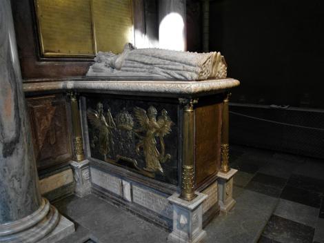 Uppsala: Dom - Grabmal der Königin Katharina in der Jagiellonischen Grabkapelle (2019)