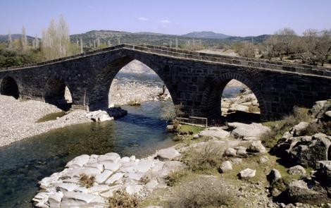 Frühosmanische Brücke vor Behramkale (1997)