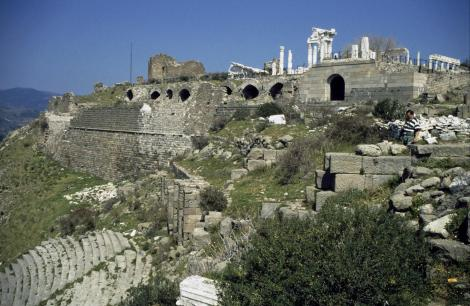 Pergamon: Blick zum Trajan-Tempel (1997)