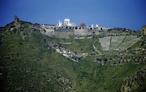 Pergamon: Blick vom Asklepeion zum Burgberg (1997)