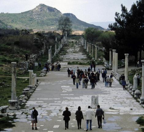 Ephesos: Hafenstraße [Blick vom Theater] (1997)