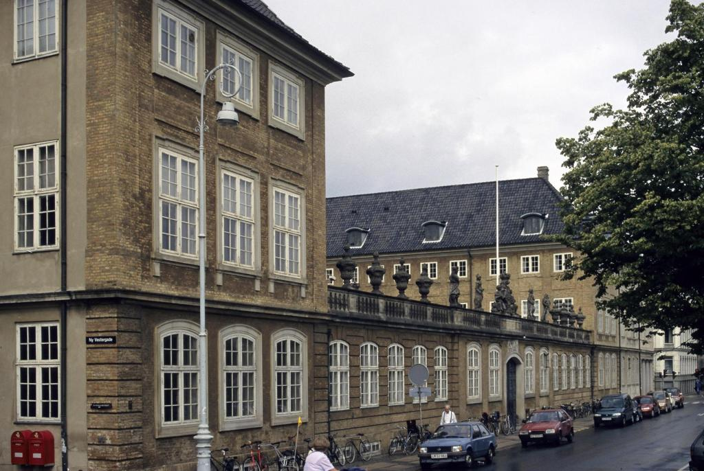 Kopenhagen: Nationalmuseum (2001)