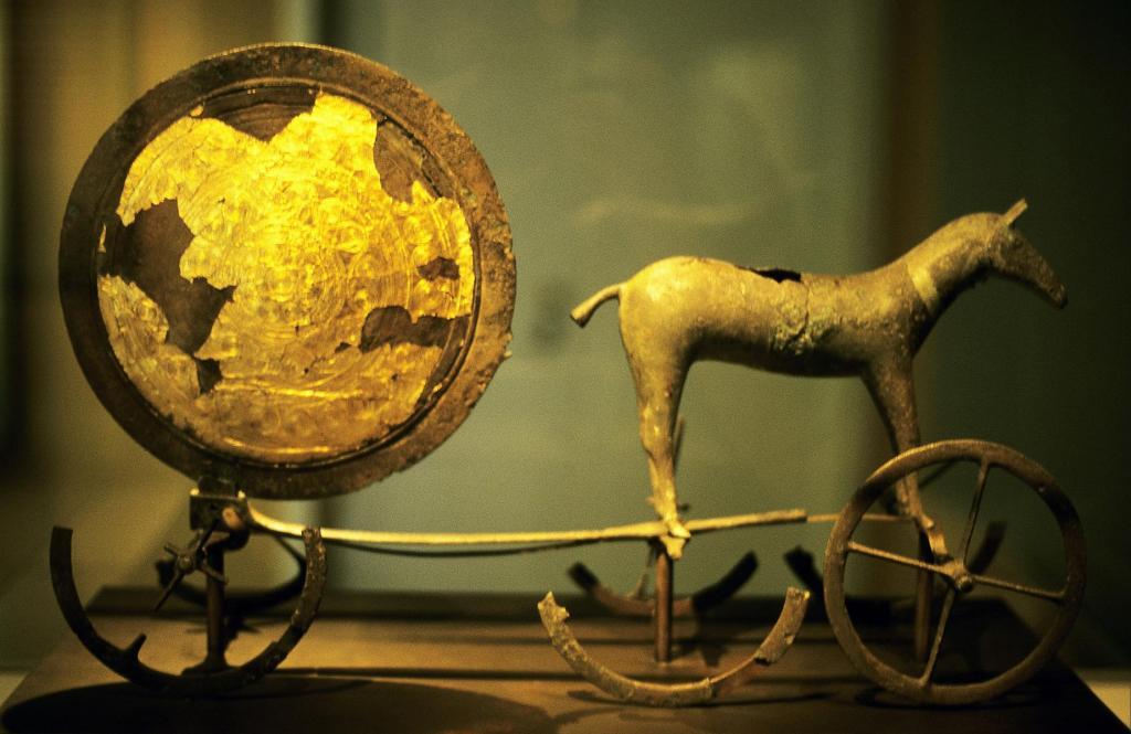 Kopenhagen: Nationalmuseum - Sonnenwagen von Trundholm (2001)